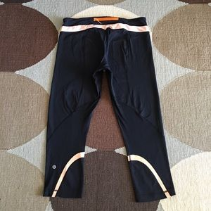 Lululemon run inspire crop leggings peach black 10